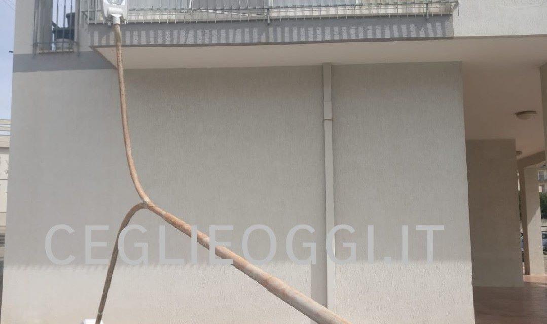 Illuminazione stradale d acciaio galvanizzata vendita q palo