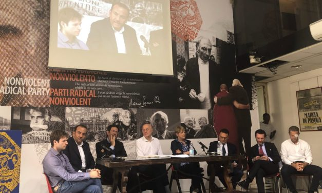 """A Roma consegnate in Cassazione """"8 proposte di legge di iniziativa popolare contro il regime"""""""
