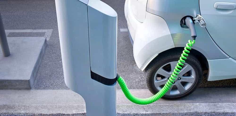 La Giunta Comunale delibera le centraline per le auto elettriche